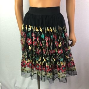 Gorgeous black tulle skirt embroidered flowers SzM